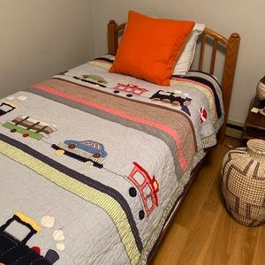 Pottery barn kids handstitched twin size quilt